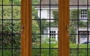 Деревянные окна со стеклопакетом — экологичны и функциональны