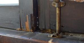 Как отремонтировать старое деревянное окно