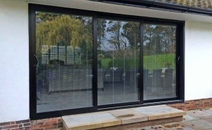 Алюминиевые сдвижные окна портального типа