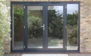 Распашные алюминиевые французские окна-двери