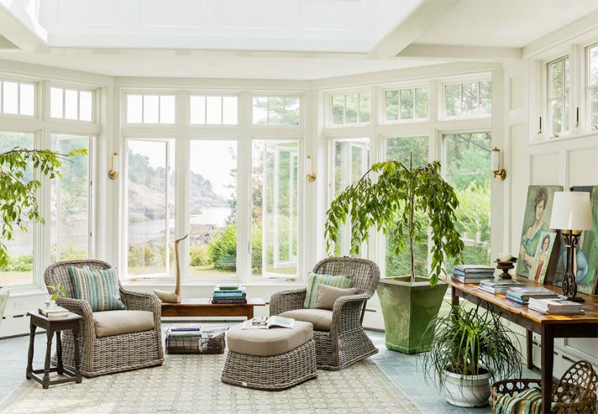 Эркер позволяет увеличить внутреннее пространство жилища, а также улучшить освещенность и инсоляцию