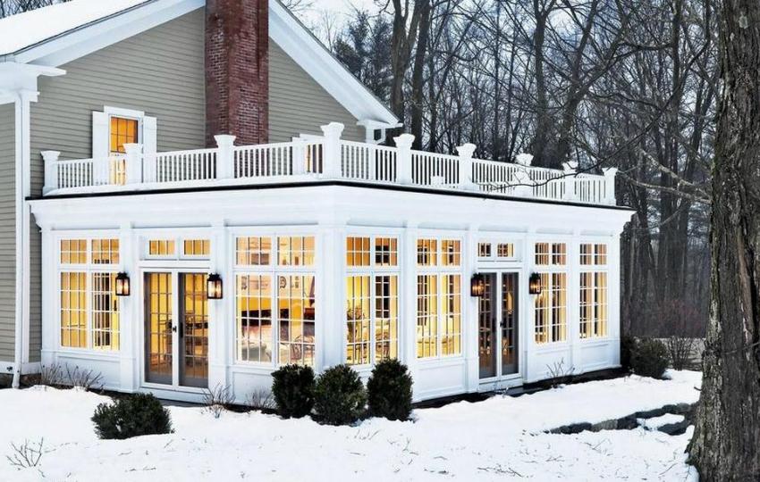 При выборе окон важно учитывать общую стилистику и дизайн дома