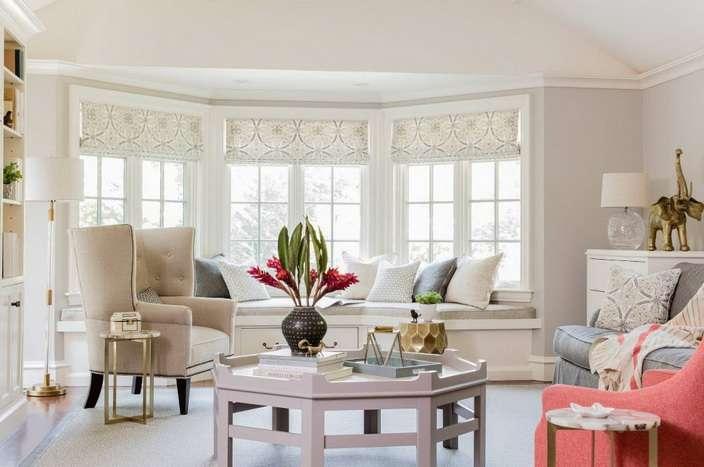 красивое эркерное окно частного дома